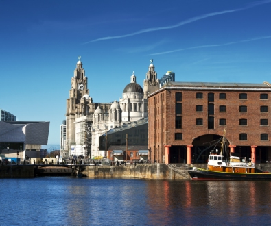 liverpool-docks-liver-building