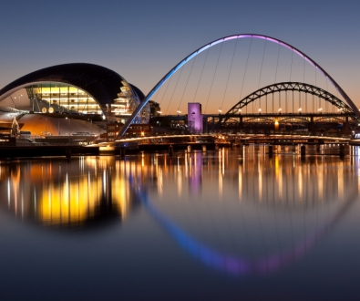 newcastle-river-bridges-view-at-night
